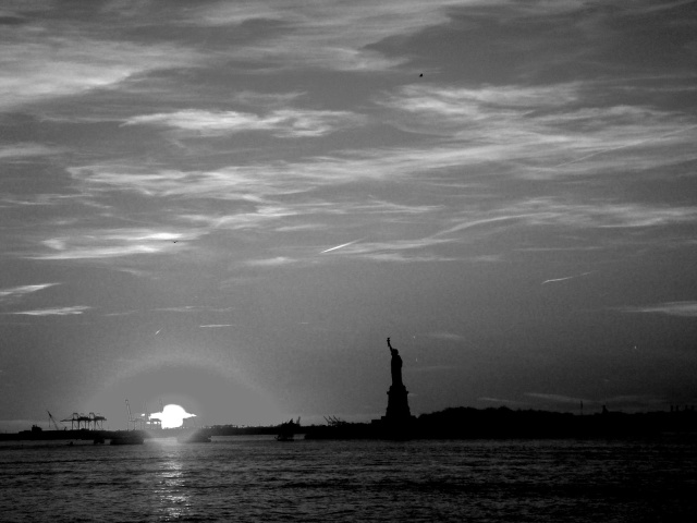 lady liberty bw